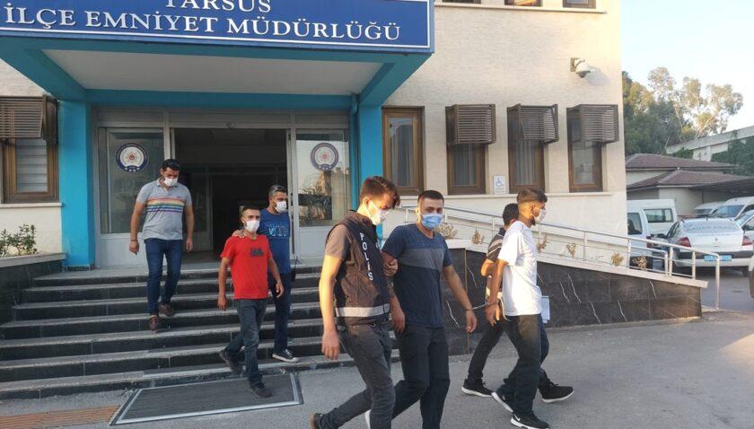 Tarsus'taki 1 kişiyi bıçakla yaralayan 3 şüpheli tutuklandı