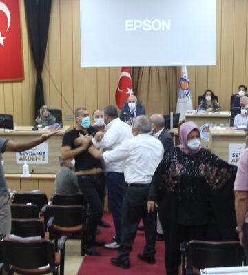 HDP'den 'İstiklal Marşı' saygısızılığı! Kürsüde şarkı söyleyemem