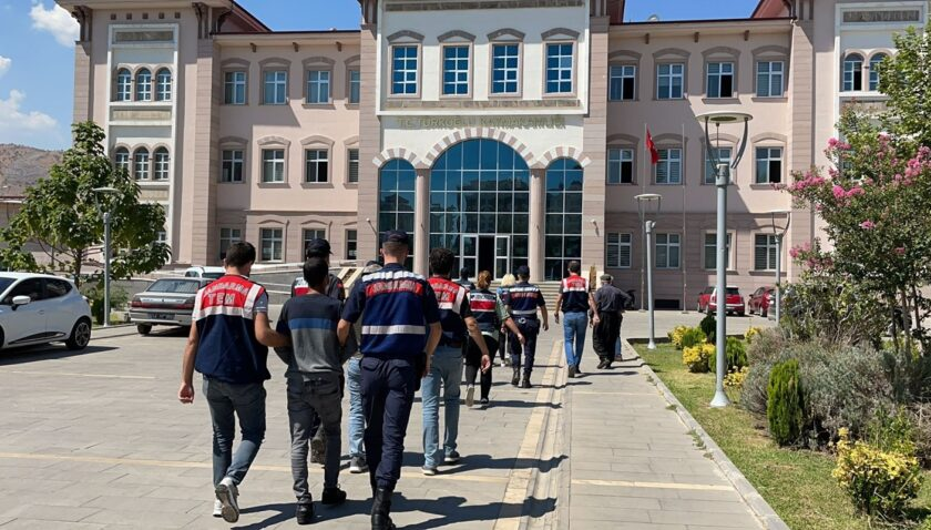 Aralarında Mersin'in de olduğu 8 ilde PKK operasyonu