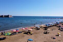 Tatilciler Kızkalesi'ne akın etti