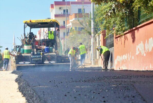 Toroslar'da, yollar asfaltlanıyor