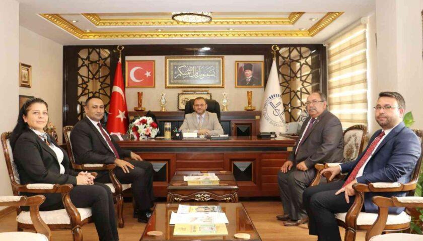 """Başkan Yılmaz: """"Camiler birliğimizin, beraberliğimizin, dayanışmanın en güzel merkezi"""""""