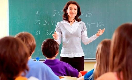 Ekonomik kriz öğretmenleri vurdu